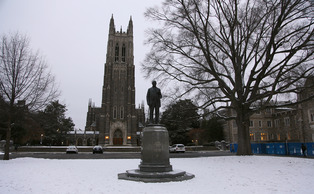Duke announced that all classes during the day Thursday would be canceled as a result of the snow accumulation expected Wednesday evening.