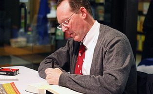 Humanitarian Dr. Paul Farmer, Trinity '82, the founder of international nonprofit organization Partners in Health, will speak at this year's commencement ceremony.