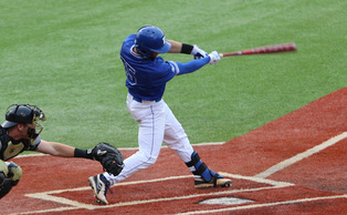 Redshirt senior Mike Rosenfeld finished out his Duke career with a couple of RBIs in Saturday's win.
