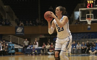 Redshirt freshman Rebecca Greenwell hit a 3-pointer with 15 seconds remaining to put Duke ahead by one.