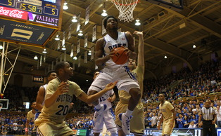Freshman Justise Winslow scored all 16 of his points in the first half to pace Duke against Wofford Wednesday.
