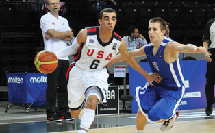Top-ranked point guard Tyus Jones will be looking to dish to No. 1 recruit Jahlil Okafor this season.