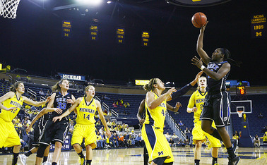 California is a familiar foe to Chelsea Gray, whose best friend plays for the Golden Bears.