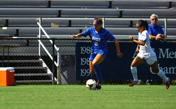 Senior Laura Weinberg found the back of the net but Duke surrendered a two-goal lead in a draw against Syracuse.