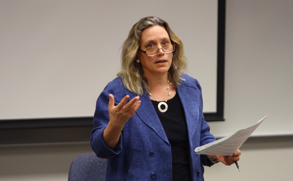 Dean Laurie Patton explained the senior lecturer role to the Academic Council on Thursday afternoon.
