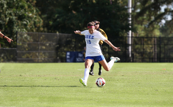 Senior Laura Weinberg scored the game-winner for Duke as the Blue Devils upended No. 9 Notre Dame 2-1.