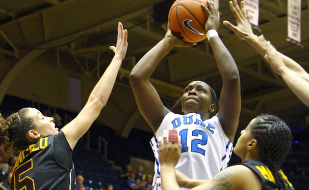 Chelsea Gray recorded 18 points, eight assists and two steals in Duke's 100-31 victory against Iona.