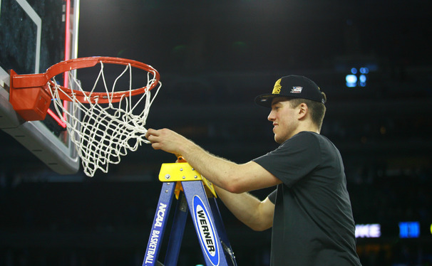 Marshall Plumlee and company struggled to cut down the nets after their Elite Eight victory Sunday, but as they did during the contest, persevered to get the deed done.