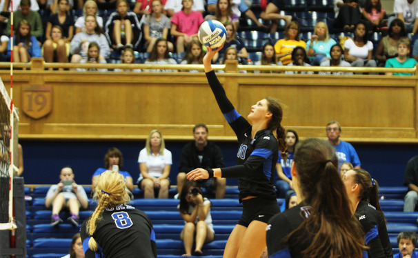 Sophomore Elizabeth Campbell led Duke with 25 kills in a win against South Carolina.