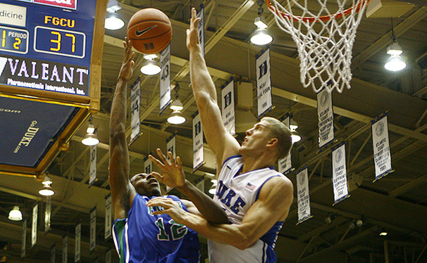 Mason Plumlee led the Blue Devils with a career-high 28 points on 9-of-11 shooting.