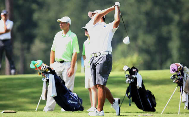 Sophomore Motin Yeung finished just three strokes off the lead after posting a three-under-par total of 141 Monday.