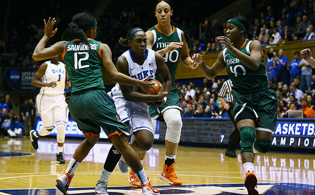 Chelsea Gray notched 16 points and six steals Thursday against Miami.